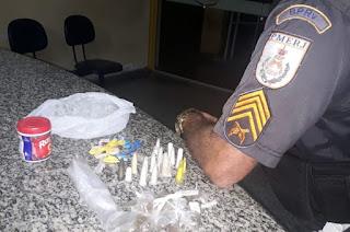 http://vnoticia.com.br/noticia/3947-bprv-apreende-drogas-as-margens-da-rj-196-na-localidade-da-muritiba-em-sfi