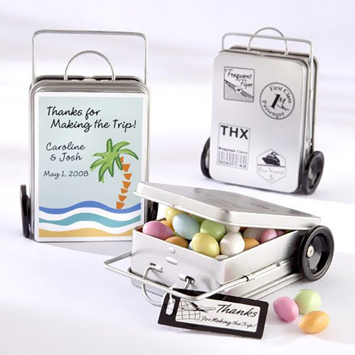 Are you planning a destination wedding? Don't forget about favors! You needs one that are travel-friendly for you AND your guests. Get some great ideas from this destination wedding favor ideas list from www.abrideonabudget.com.