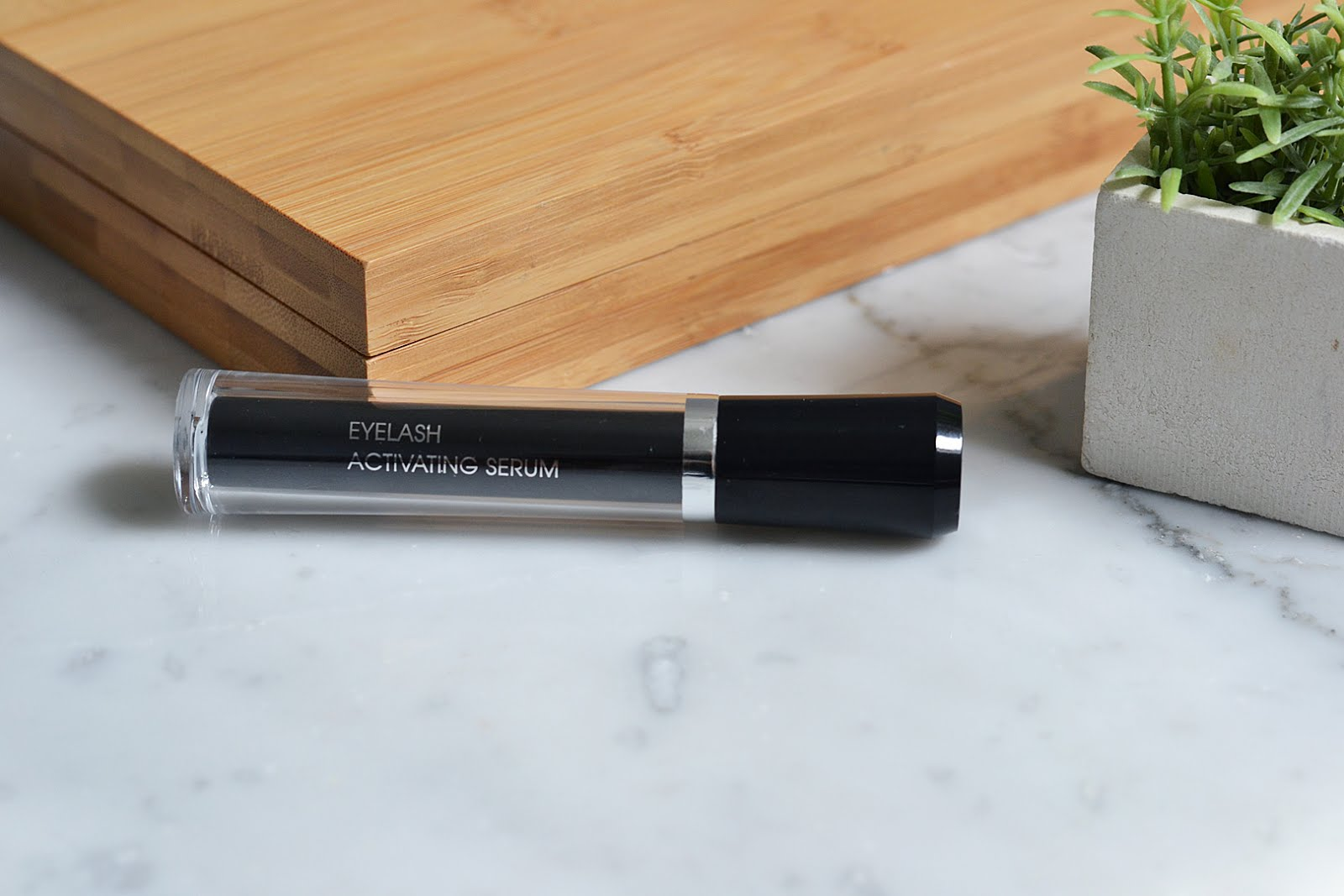 Eyelash activating serum, M2 beauté, beautyblogger, belgian blogger, belgische blogger