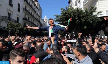 الناشط السياسي الجزائري رشيد نكاز يدخل في إضراب عن الطعام لمدة 29 يوما