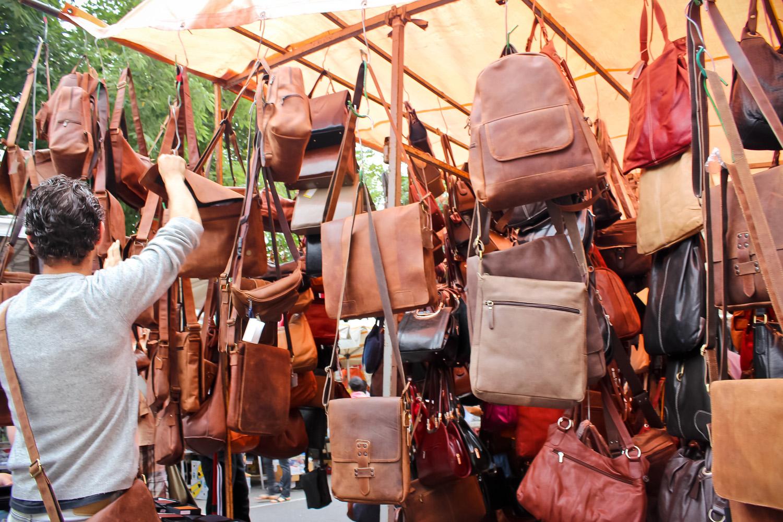 A glimpse into porta portese flea market in rome ang - Porta portese rubriche lavoro ...