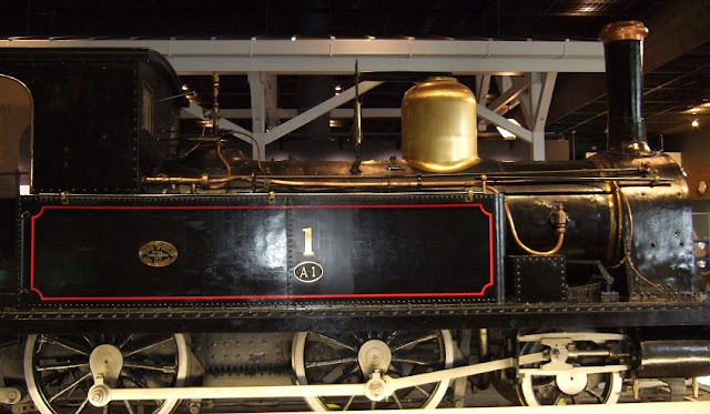 イギリスから輸入した蒸気機関車1号側面