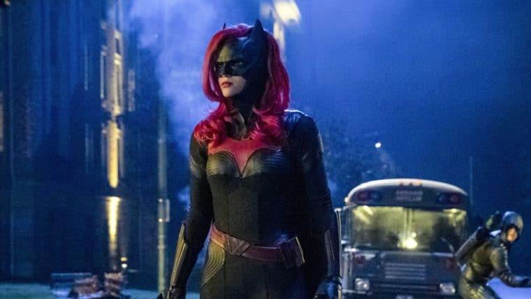 Batwoman ganha novo trailer