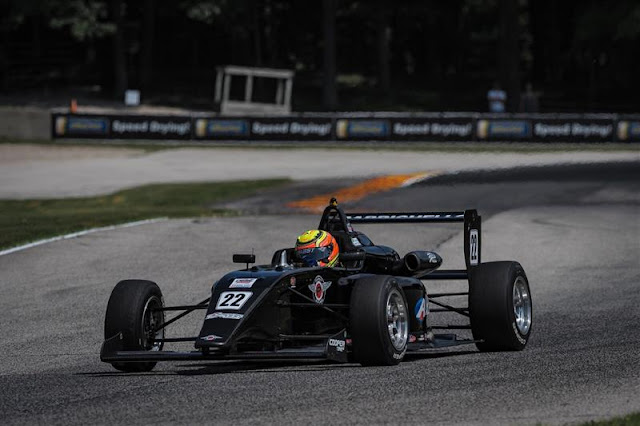 Carro USF2000 Road America