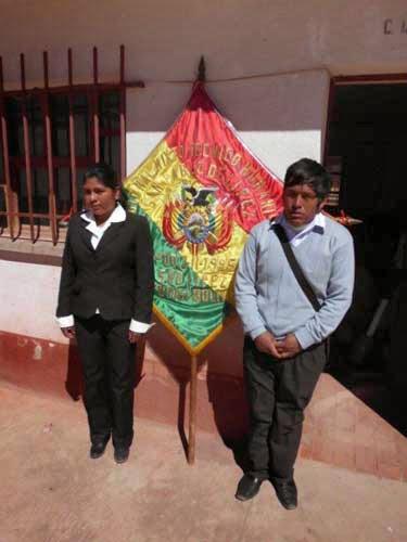 Vor der Fahne des Kollegs