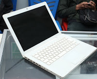 Macbook White Core2Duo - Macbook Bekas