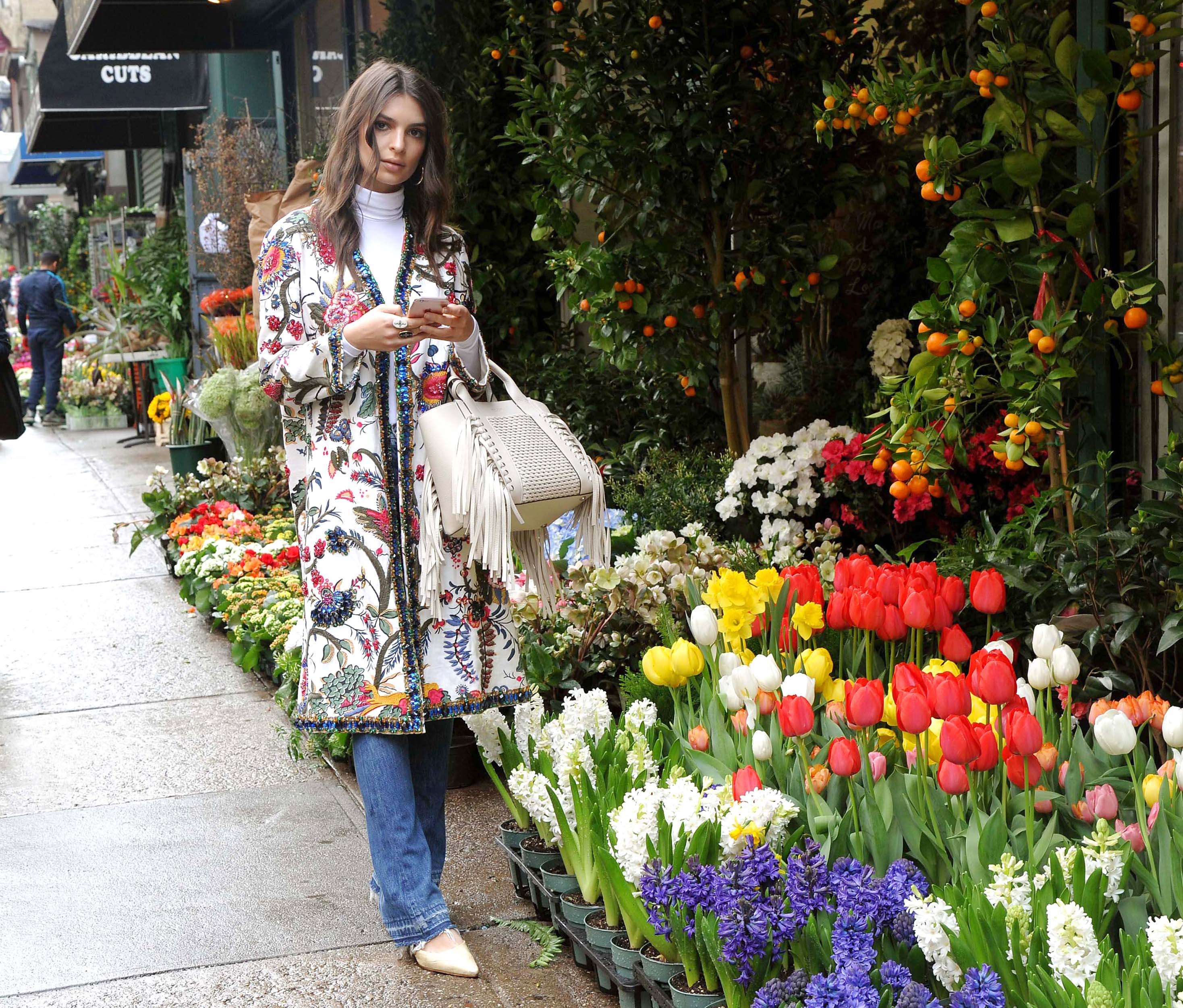 Emily Ratajkowski out at flowers shop