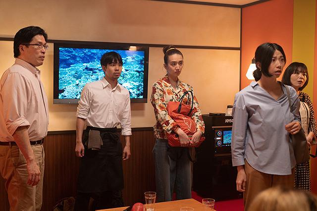 Lust in a Karaoke Box - Shinya Tamada