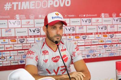 Vila Nova apresenta atacante Frontini, hoje jogador no futuro Gerente de Futebol
