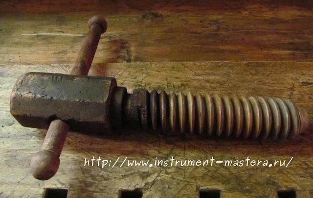 столярный верстак  деревянный винт от тисков