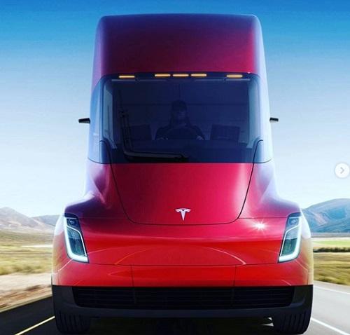 Tampilan Depan Truk Listrik Tesla