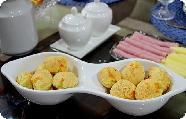 Café da Tarde com Pão de Queijo