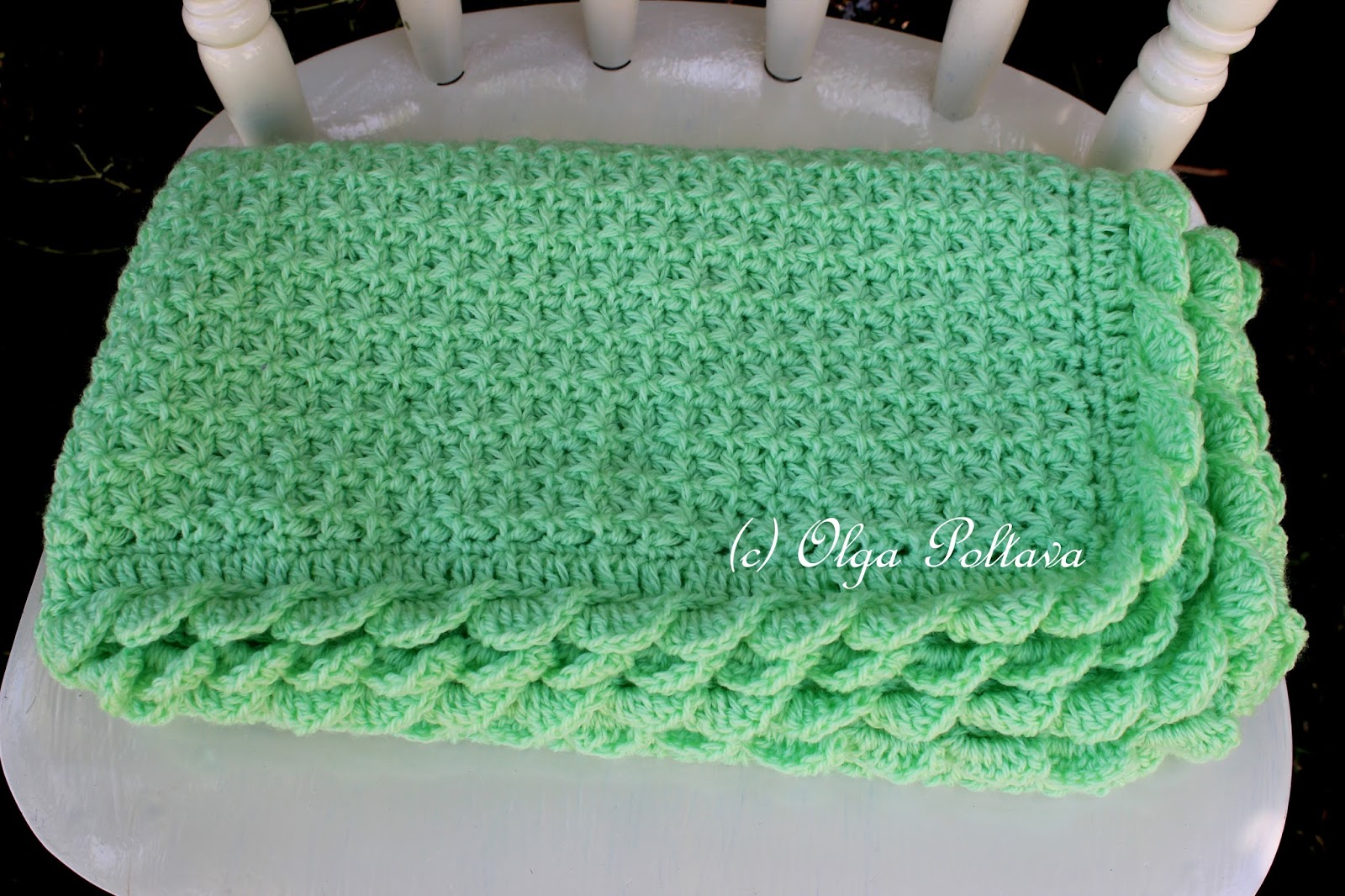 Crochet Star Stitch Hat Free Pattern : Lacy Crochet: Star Stitch Baby Blanket with Scalloped Trim