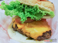 Charlie's Grind and Grill, black angus burger
