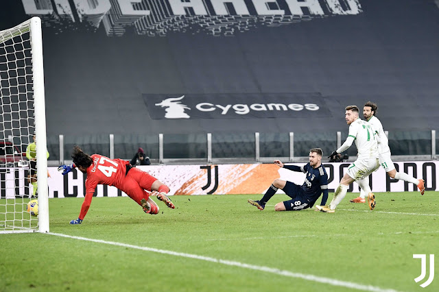 صورة من مباراة يوفنتوس ضد ساسولو