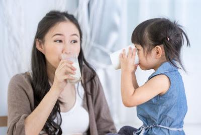 Manfaat Minum Susu Untuk Tumbuh Kembang Anak