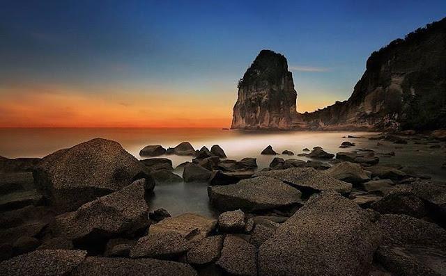 sunset di pantai pangasan