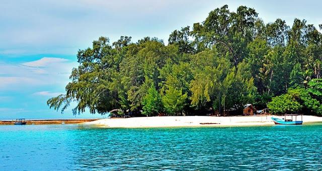 Terpesona Di Pulau Harapan
