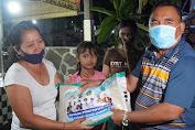 Monitoring PPKM Darurat, Bupati Tamba bersama Forkompimda Bagikan Beras di Pasar Tegal Cangkring
