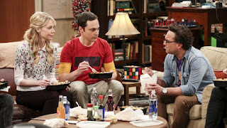 Sheldon Cooper friends guest and his tissue box of rubik's cube The Big Bang Theory