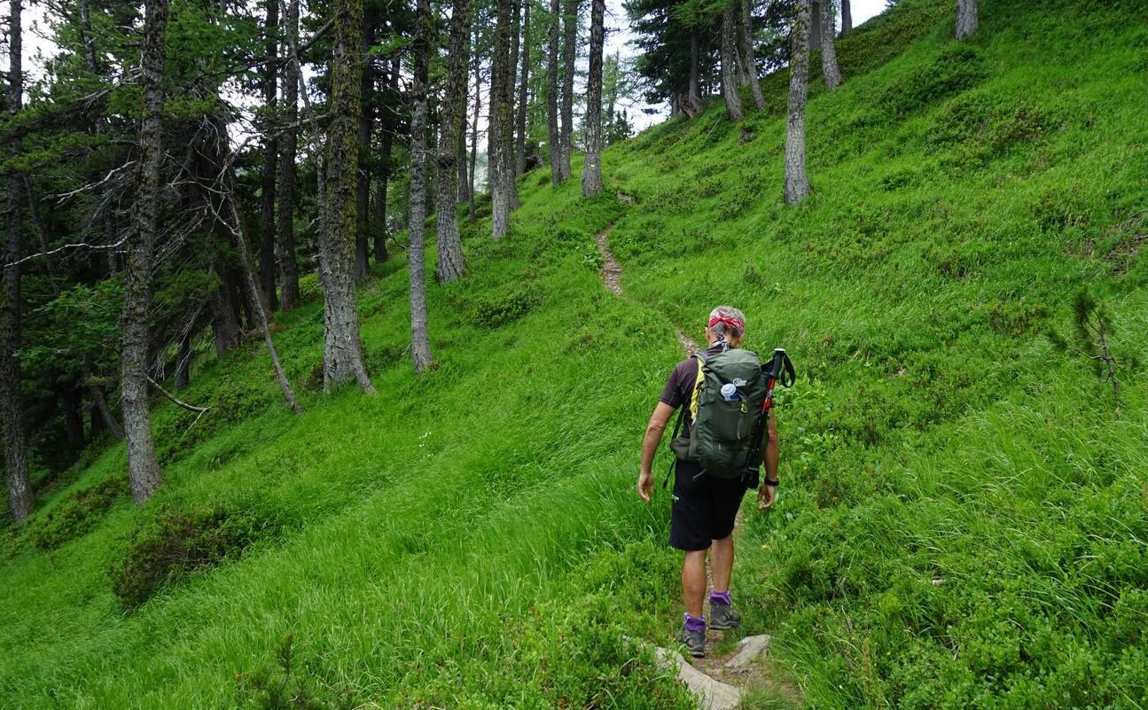 Path under Mont Archas