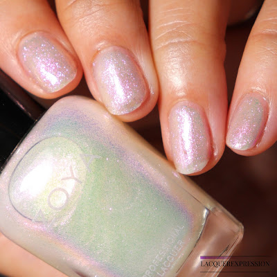 Swatch and Review of Zoya Leia from the Kisses Collection