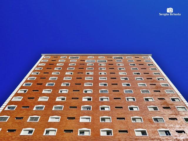 Perspectiva inferior da fachada lateral do Edifício Mansão Dom Pedro de Alcântara - Ipiranga - São Paulo