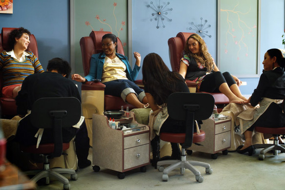 Những cách hạn chế bệnh nghề nghiệp khi làm nail
