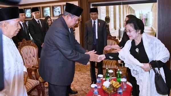 PDIP Vs PD Panas Lagi Gegara Cerita 'SBY Bilang Megawati Kecolongan'