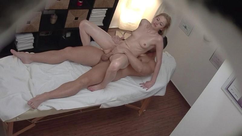 Czech Massage 321