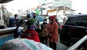 Blusukan di Jatinegara, Mensos Risma Bertemu Pemulung Mengaku Asal Wonokromo