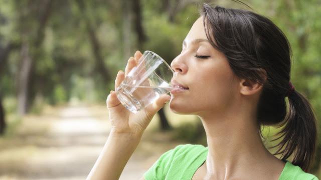 Konsumsi Minuman Es Saat Menstruasi Sebabkan Darah Membeku