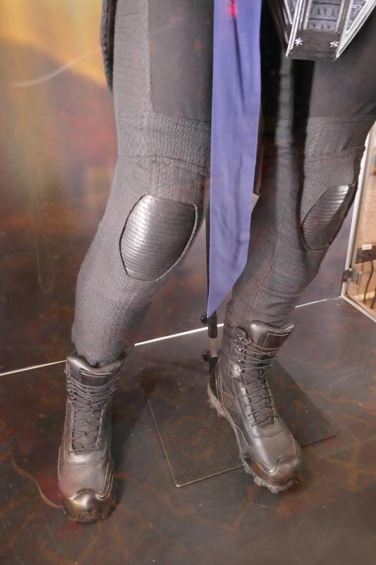 Shang-Chi Wenwu costume legs detail