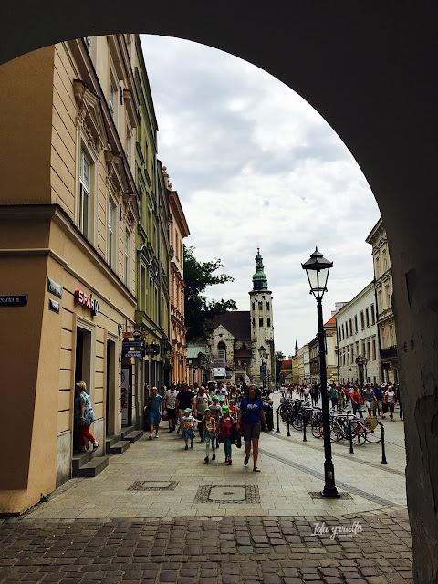 Cracovia fotos arco que enmarca la iglesia de San Andrés