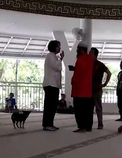 Anjing Dibawa Masuk ke Dalam Masjid, Sudah Lunturkah Nilai Etika