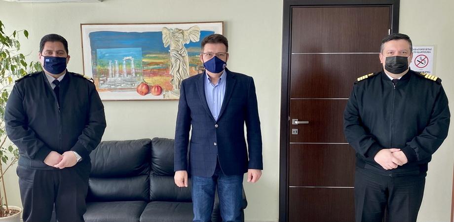 Εθιμοτυπική συνάντηση Πέτροβιτς με τον Διοικητή της 2ης Περιφερειακής Διεύθυνσης Λιμενικού Σώματος