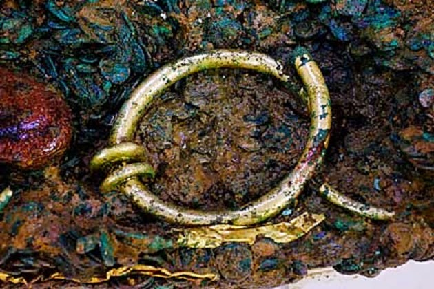 Solid gold torc hidden in Celtic coin hoard