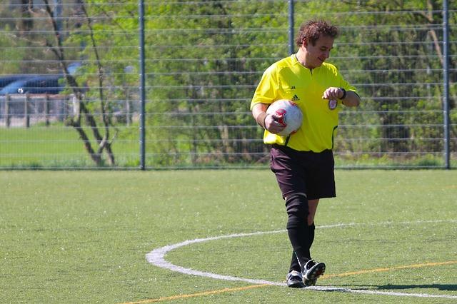Quanto Guadagna Un Arbitro Di Calcio