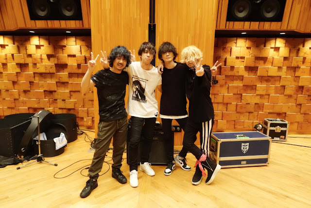 Standards J-pop, Enka, Trad...: BUMP OF CHICKEN (Eng