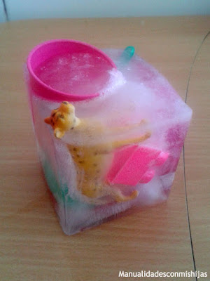 juego-sensorial-tacto-hielo