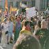 Miles de personas se echan a la calle para protestar contra Sánchez e Iglesias