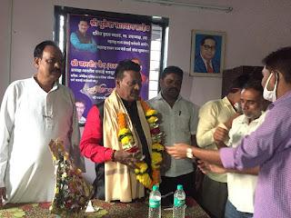 दलित नेता मुकेश सारवान ने किया वसई तालुका का दौरा  | #NayaSaberaNetwork