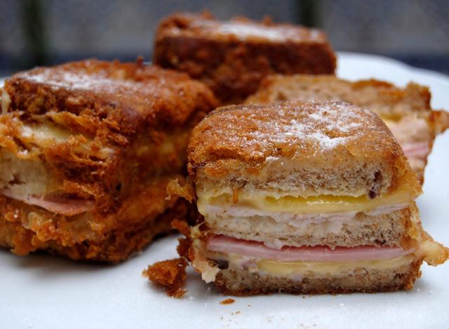 Sándwich casero frito y rebozado Montecristo