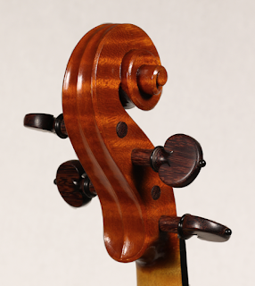 Copy of a Stradivarius Violin Head by Nicolas Bonet Luthier - Tete d'un violon en copie de Antonio Stradivari