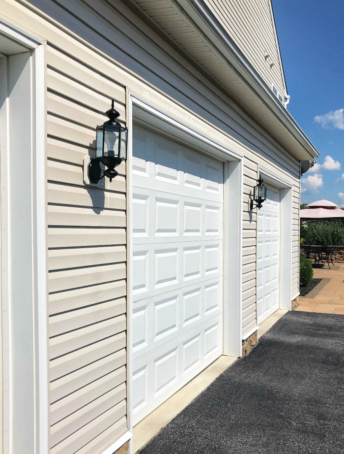 Painted Outdoor Fixture -Garage