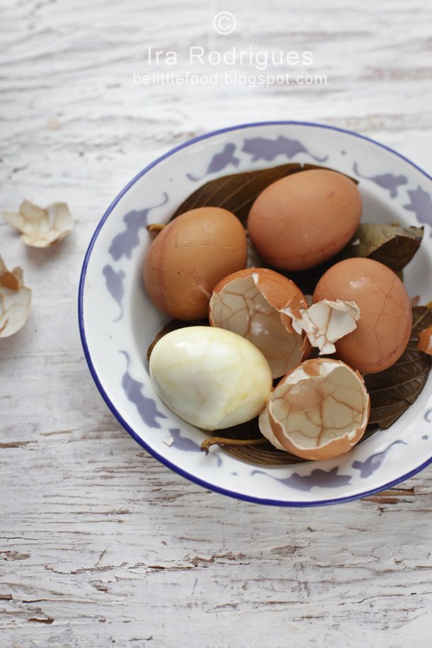 hard-boiled eggs with bali spices and herbs