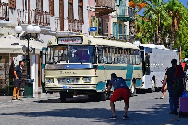 Ένα θρυλικό λεωφορείο ξύπνησε αναμνήσεις στο Ναύπλιο