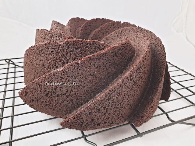 Banana bundt cake intergal con harina de algarroba