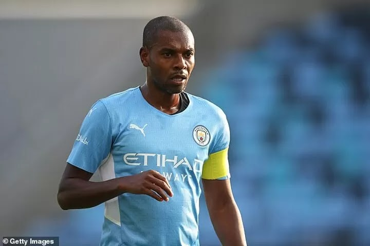 Man City's stars CAN'T sulk if they are left out, says Fernandinho