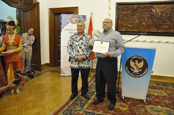 Terima Ambassador Award, Baba Ragab: Kami Berharap Akan Ada Peningkatan Hubungan di Berbagai Bidang